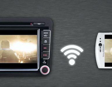 jak podłączyć telefon do radia w samochodzie